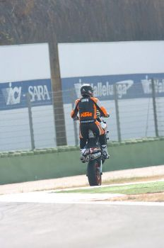 Al via i preparativi per la quinta ed ultima prova del trofeo KTM Super Duke 2009
